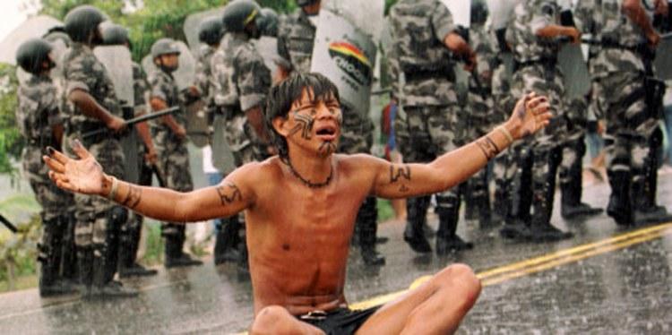 Extermínio de Índios noBrasil